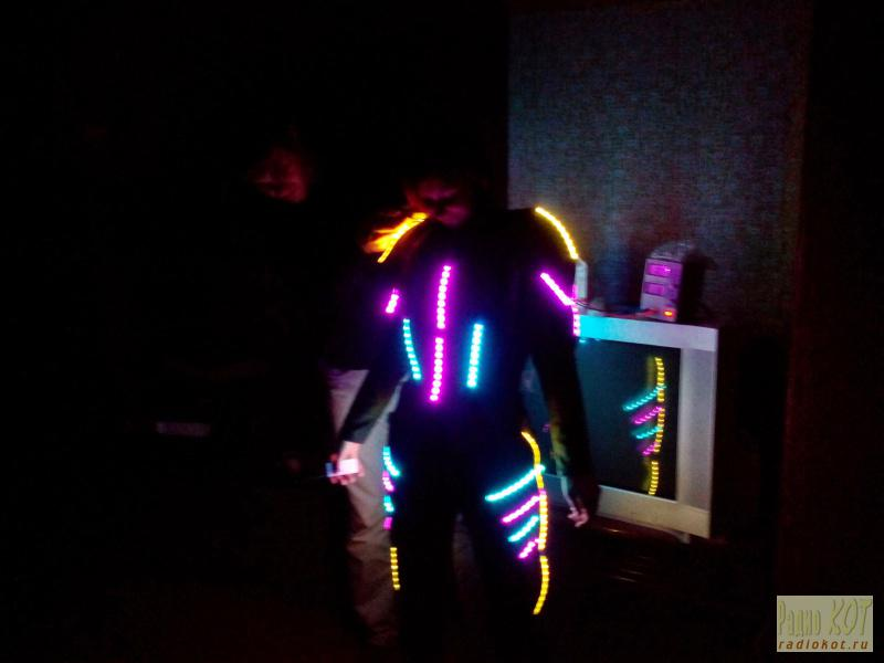 Светодиодный костюм своими руками