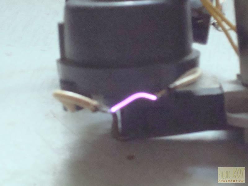 высоковольтный генератор постоянного тока схема.