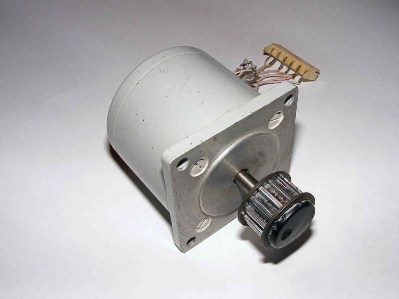 Двигатель - ДШИ 200-2-1
