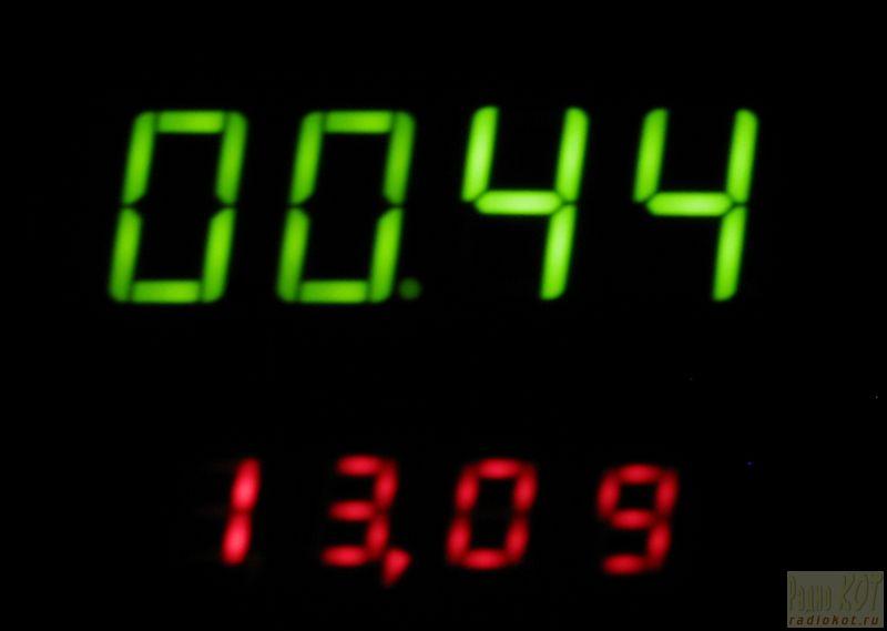 ساعت و دماسنج برای  ماشین.