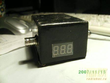 Цифровой автоматический КСВ метр обеспечивает быстрый пересчет Коэффициента Стоячей Волны в автоматическом режиме.