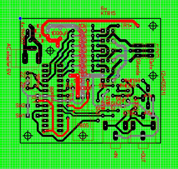 7805 и гнездо AC адаптера.
