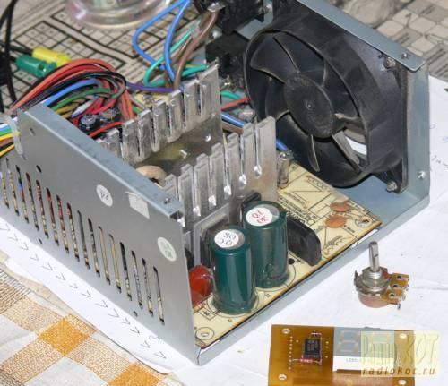 Напряжение 14,4В ток 0,44А.